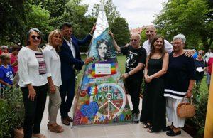Inaugurato a Senigallia il monumento dedicato a John Lennon