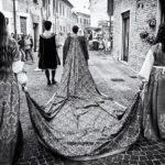 La rievocazione storica della contesa del Pozzo della Polenta, a Corinaldo