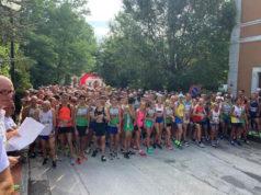 La partenza della diciassettesima edizione del Trofeo Grotte di Frasassi da San Vittore delle Chiuse (Genga)