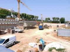 I lavori al cantiere per il parcheggio sulla collina del seminario vescovile di via Cellini, a Senigallia