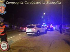 I carabinieri durante i controlli notturni