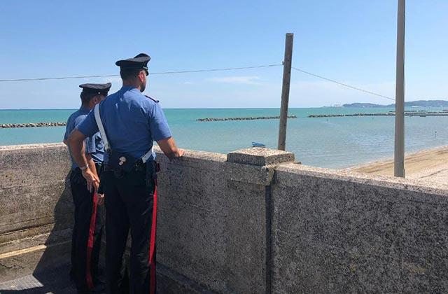 I carabinieri di Falconara durante i controlli