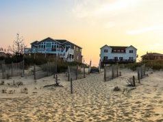 case abusive in riva al mare, abusivismo edilizio in spiaggia