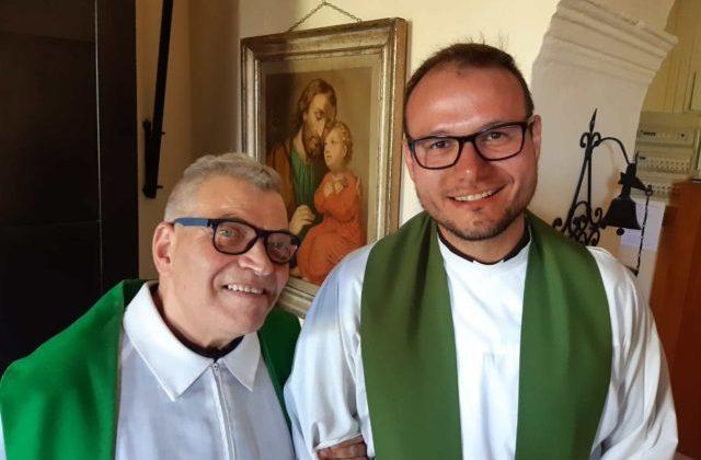 Da sin. don Giovanni Squartini e don Marco Castellani (Foto: Diocesi di Ancona-Osimo)
