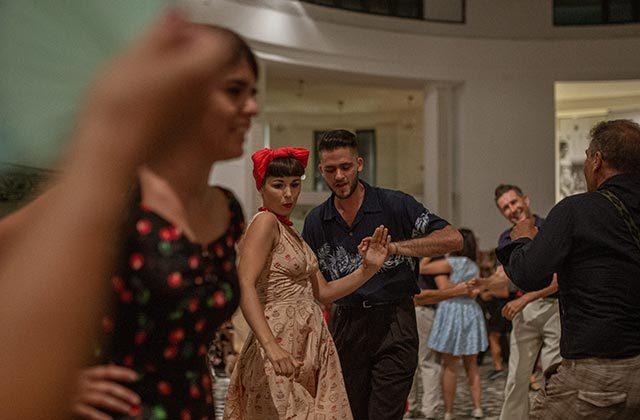 Balli e dj set alla Rotonda a Mare per il Summer Jamboree. Foto di Guido Calamosca
