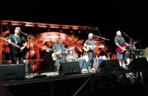"""I """"Los Lobos"""" in concerto all'Hawaiian party del Summer Jamboree di Senigallia"""