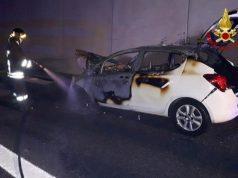 L'incendio scoppiato dopo un incidente in autostrada tra Marotta e Senigallia