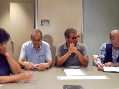 A sinistra Carla Scuppa, Maurizio Mariani, a destra Bruno Stronati di Azionisti Privati Banca Marche; al centro Corrado Canafoglia dell'Unione Nazionale Consumatori