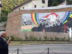 Il critico d'arte Stefano Papetti ha illustrato l'opera di Leonardo Cemak, il murale realizzato ad Arcevia