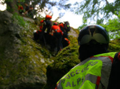 Le operazioni di soccorso alpino. Foto tratta da http://www.soccorsoalpinotrentino.it