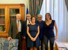 L'incontro al Miur sul tema delle scuole pesaresi: da sinistra Cancellieri, Domenicucci, Morani, Paolini e Ascani