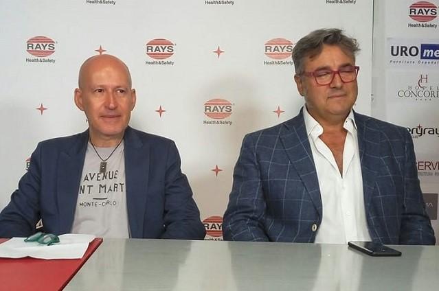 Massimo Bugari (a dx) presidente del settore giovanile dell'Anconitana con Paolo Felicetti della biglietteria