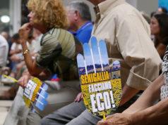 """I cartelli del comitato """"Facciamo Eco"""" di Senigallia"""