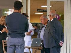 Banchetto informativo e raccolta firme organizzato dal sindacato dei medici Cimo all'ospedale di Senigallia