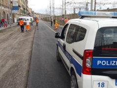 Polizia Locale, Vigili del fuoco e squadre tecniche nella zona della rottura, lungo la via Flaminia
