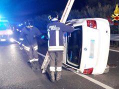 Statale Adriatica 16, auto ribaltata