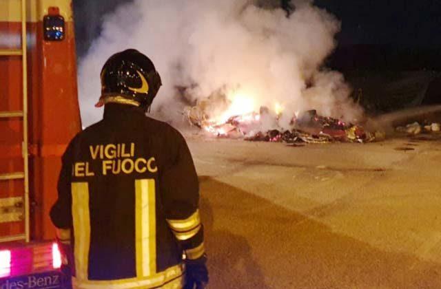 Ancona, l'incendio della roulotte