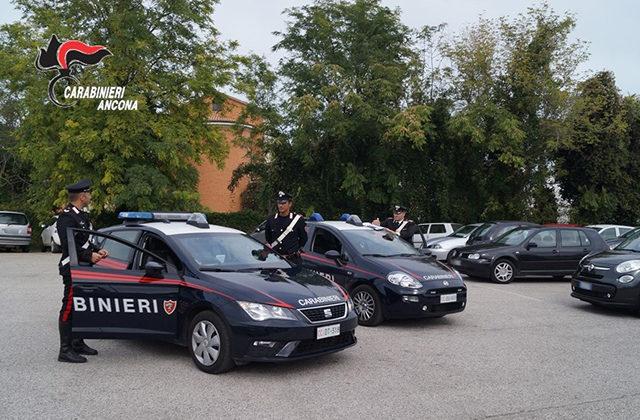 Contrasto ai parcheggiatori abusivi da parte dei Carabinieri di Senigallia nel parcheggio di via Camposanto Vecchio, accanto all'ospedale