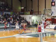 Un momento del big-match tra Fabriano e Ozzano