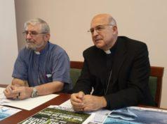 Da sinistra Mons. Adolfo Zon Pereira, vescovo della diocesi dell'Alto Solimoes (Amazzonia) e Mons. Angelo Spina, arcivescovo metropolita dell'arcidiocesi di Ancona-Osimo