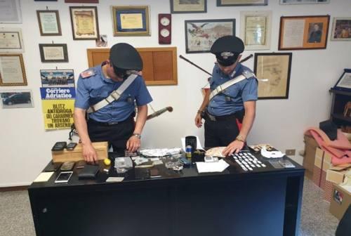 """Osimo, scovato """"bazar della droga"""". Arrestato 37enne"""