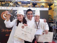"""L'istituto di istruzione superiore """"Einstein-Nebbia"""" di Loreto si è classificato al terzo posto al Campionato nazionale di pasticceria """"Alberghieri d'Italia"""" a Napoli"""