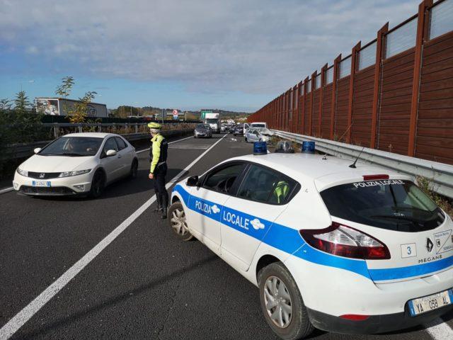 La Polizia locale sul luogo dell'incidente a Senigallia