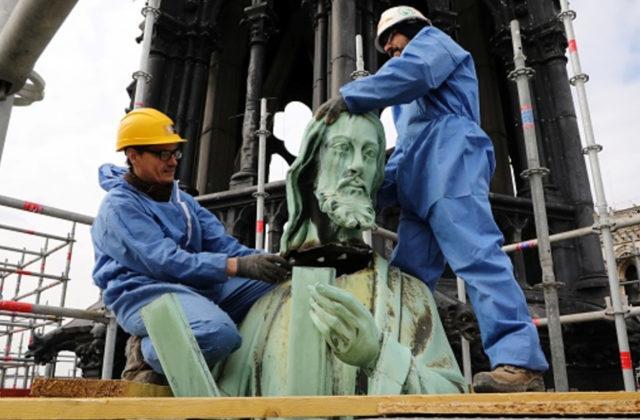 L'incendio a Notre Dame: misteri, interrogativi e fake news