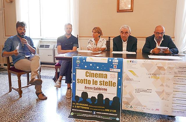 """Cinema all'aperto: registi e attori """"approdano"""" all'arena Gabbiano di Senigallia"""