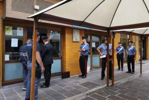Falconara: accoltellamento in piazza Mazzini, giù le saracinesche al Bar Sole