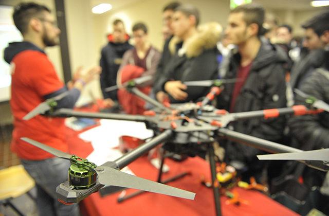 droni e robotica diventano strumenti per la didattica all'Università Politecnica delle Marche
