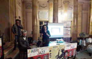 L'assessore Ilaria Venanzoni durante la presentazione della rassegna FabrJazz