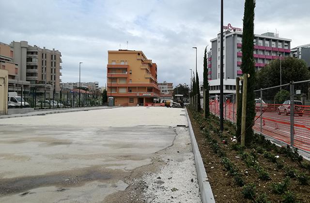 Senigallia, polemiche anche sugli alberi al parcheggio della stazione