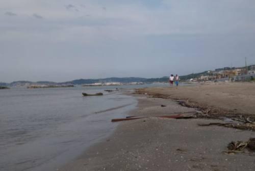 Temporali sulla costa, scatta il divieto di balneazione