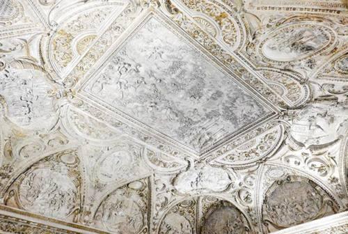 Senigallia, nuova vita per gli stucchi di Brandani a Palazzetto Baviera