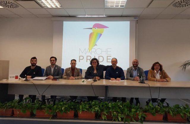 Marche Pride, ad Ancona il primo grande corteo per i diritti della comunità Lgbt