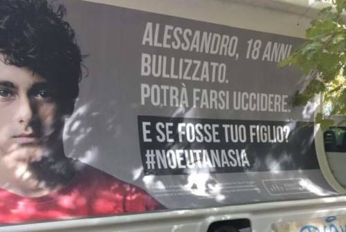 Jesi: manifesti contro l'eutanasia, si infiamma lo scontro
