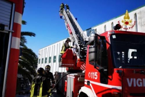 Castelferretti, pannelli fotovoltaici a fuoco. Intervengono i pompieri
