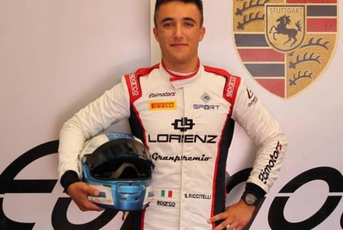 Fabriano, il pilota Simone Riccitelli è campione italiano Gt4