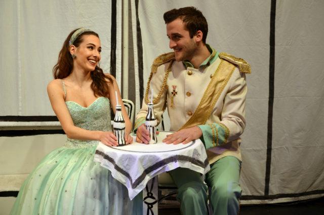 Cenerentola e il Principe nell'allestimento della Compagnia della Rancia a Senigallia