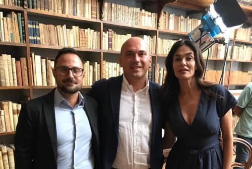 """Osimo, Maria Grazia Cucinotta è in città per girare """"Il gatto e la luna"""""""
