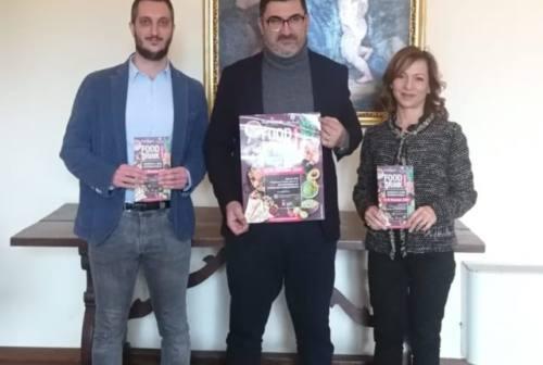 Natale a Sassoferrato con Food&Drink, aperitivi da tutto il mondo