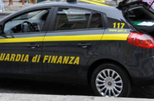Maxi evasione fiscale: imprenditore nei guai. Sequestrate auto, moto e una villetta a Montelupone