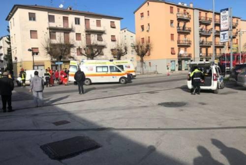 Fabriano: incidente scooter-furgone, 85enne trasportato all'ospedale di Torrette