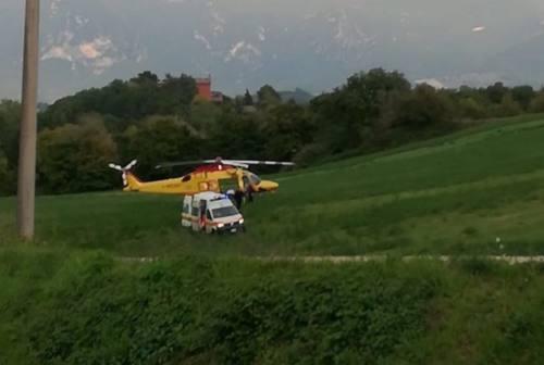 Fabriano: donna incinta trasportata a Torrette dopo una caduta vicino casa