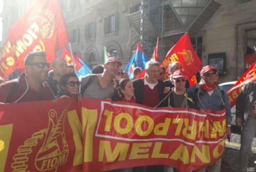 Anche Landini a Roma fra gli operai e impiegati Whirlpool delle Marche
