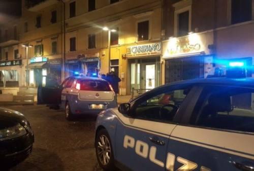 Dà in escandescenze sul bus, 38enne arrestato dalle volanti ad Ancona