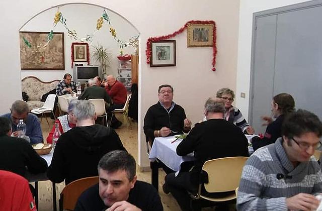 """Il pranzo di natale al centro """"L'accoglienza"""" di Osimo"""