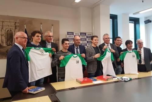 """Motociclismo, Ceriscioli premia i marchigiani vittoriosi nel """"Trofeo delle Regioni"""""""