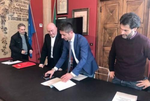 Pesaro, patto tra sindacati e Comune: no all'aumento di tasse e sostegno per le bollette